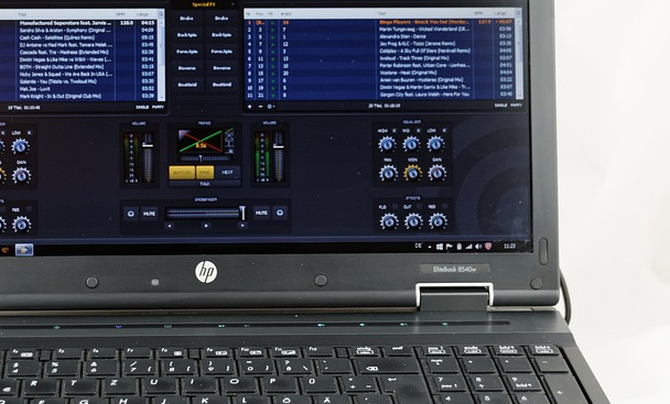 music production laptop